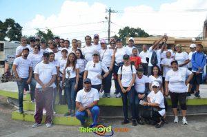 "Read more about the article Con gran caminata dan cierre a la campaña ""Semana Saludable"""