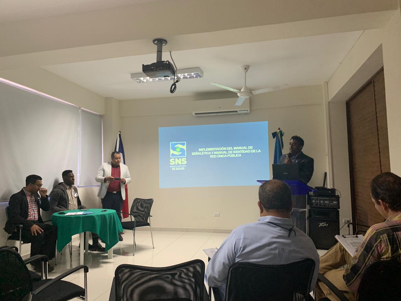 Read more about the article Taller sobre Identidad Institucional para hospitales de la Región Nordeste