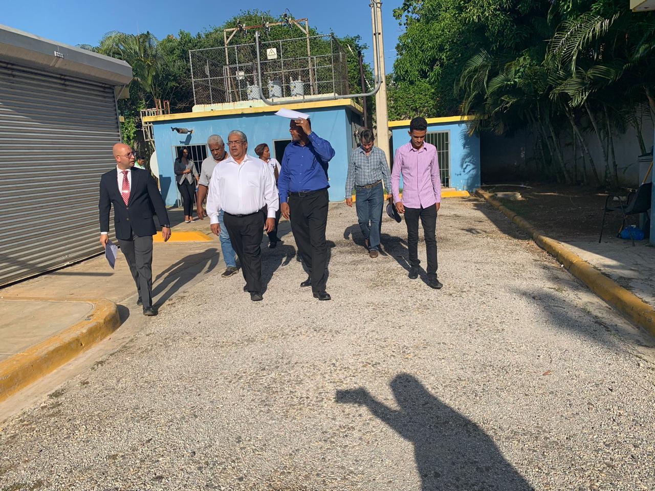 Director SNS y embajador Israel visitan hospital de Río San Juan