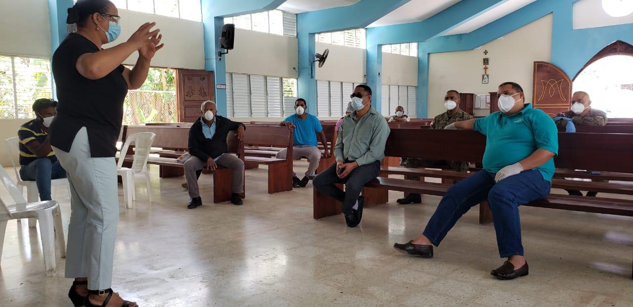 Directora del SRS Nordeste socializa protocolos para dar respuesta rápida a casos de COVID-19 en el Municipio de Arenoso.