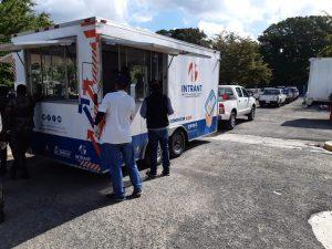 Read more about the article Servicio Regional de Salud Nordeste y Ejercito de la Republica Dominicana despliegan unidades móviles para realizar pruebas COVID-19