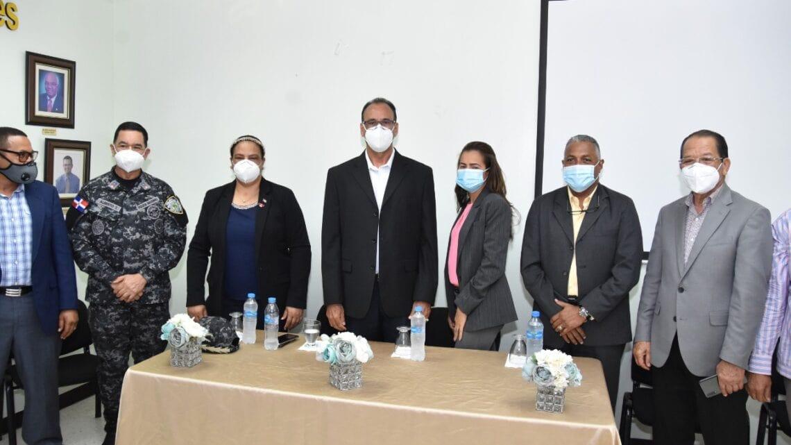 Read more about the article Toma de posesión del Nuevo Director de la Regional de Salud Nordeste