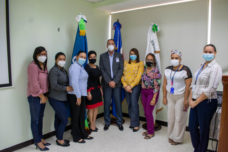 You are currently viewing Director Regional Nordeste de Salud recibe visita  de autoridades nacionales