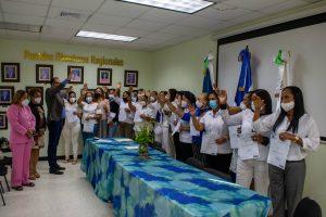 Read more about the article Director del SRSN juramenta nuevas encargas de Enfermería en hospitales de Duarte y Hermanas Mirabal