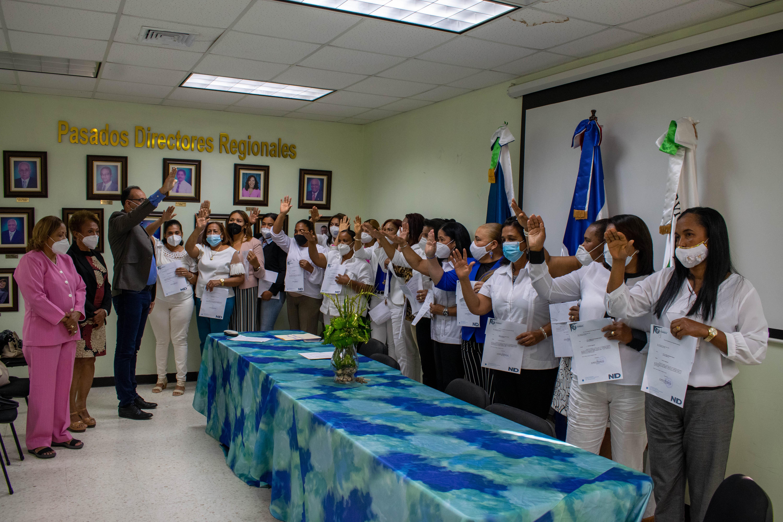 You are currently viewing Director del SRSN juramenta nuevas encargas de Enfermería en hospitales de Duarte y Hermanas Mirabal